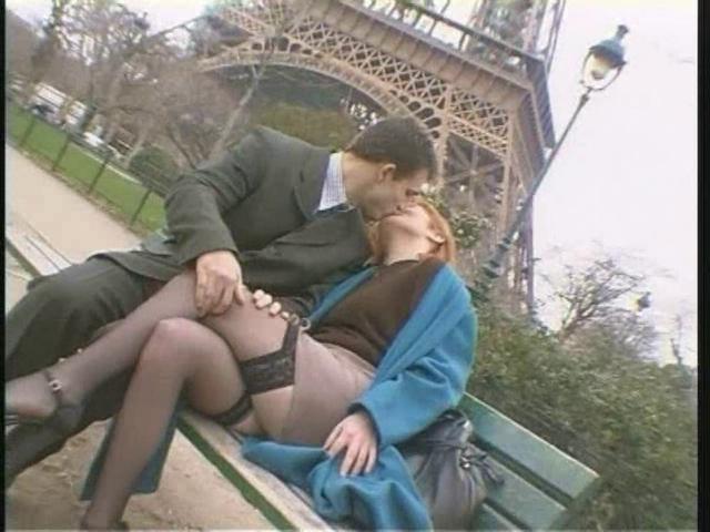 Минет на улице от француженки видео